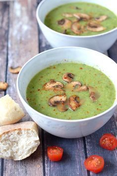 Broccoli zucchini soup with spicy mushrooms - Broccoli zucchini soup with spicy mushrooms - Raw Food Recipes, Veggie Recipes, Soup Recipes, Vegetarian Recipes, Cooking Recipes, Healthy Recipes, Dinner Recipes, Vegan Soups, Comfort Food