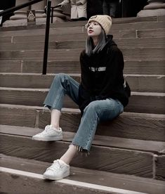 10 Best Boyish Yet Stylish Look of Lisa Blackpink Lisa Black Pink, Black Pink Kpop, Blackpink Fashion, Korean Fashion, Fashion Outfits, Boyish Style, My Style, Boyish Outfits, Mode Pop