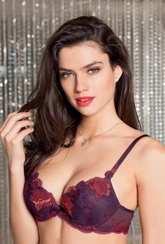 Lise Charmel, Ultra Féminin, Automne - Hiver 2016. https://www.mesdessous.fr/fr/321-lingerie?selected_filters=fabricant-lise_charmel/gamme-ultra_f%C3%A9minin_dalhia_f%C3%A9minin