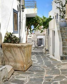 25 Incredible Greek Islands You Need To See Before You Die Island Life, Greek Islands, Places To Go, The Incredibles, Adventure, Architecture, Instagram Posts, Outdoor Decor, Visit Greece