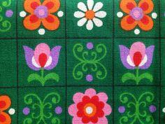 Vintage cotton in fantastic condition. Retro Fabric, Vintage Fabrics, Vintage Colors, Motif Vintage, Vintage Patterns, Retro Vintage, Textile Patterns, Print Patterns, Floral Patterns