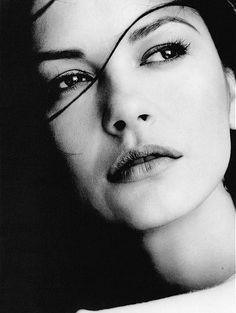 "75th Academy Awards Beat Supporting Actress (2003): Catherine Zeta-Jones - ""Chicago"""