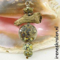 Lampwork beads & driftwood www.ireneskralen.nl