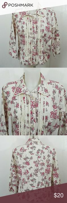 """👣 Christopher & Banks Button Blouse 👣 👣 Christopher and Banks Button Down Blouse. In good condition except for a little spot in the front. I took a close-up picture of the area. Size large.  Bust 42"""" Length 23"""" Christopher & Banks Tops Button Down Shirts"""