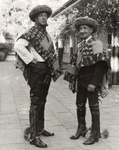 """Huasos chilenos de hacienda """"El Huique"""",con sus tipicos """"Bonetes Huicanos""""."""