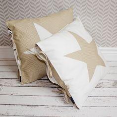 Komplet - dwie poduszki dekoracyjne - beż i biel  w Urocze Dodatki na DaWanda.com
