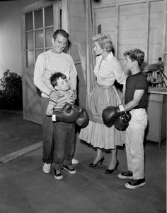 """25 Things You'll Never Experience Again # 5. A mom as old-school as June Cleaver ... <> """"Leave it to Beaver"""" cast members. - CBS/Getty Images"""