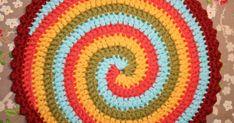 """We gaan een draai geven aan ons haakwerk! Hier is pannenlap """"Twist"""": Ik heb gehaakt met: 5 kleuren Paris van Drops, (later no..."""