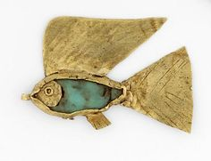 """""""Fish amulet: made from gold with a green felspar inlay. The amulet is open on both sides. The central cloison, to which are attached fins and tail, is roughly made from a strip of sheet metal curved around to make an oval shape."""" The British Museum Sea Glass Jewelry, Gold Jewelry, Jewelery, Photo Jewelry, Egypt Jewelry, Ancient Jewelry, Britisches Museum, Roman Jewelry, Long Pearl Necklaces"""