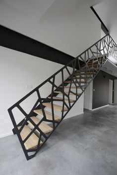 40 Awesome Modern Stairs Railing Design for Your Home Modern Stair Railing, Stair Railing Design, Stair Handrail, Staircase Railings, Modern Stairs, Stairways, Railing Ideas, Steel Stairs Design, Banisters