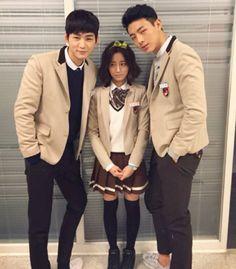 25 Fun photos of the Cheer Up cast palling around on set Lee Won Geun, Ji Soo Actor, Sassy Go Go, Kdrama, Up Cast, Tae Oh, 17 Kpop, Moorim School, W Two Worlds