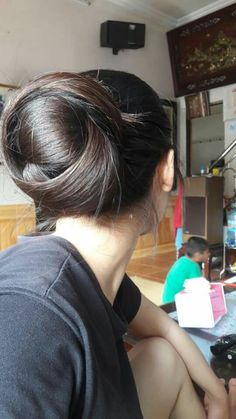 Beautiful Buns, Beautiful Girl Body, Beautiful Long Hair, Gorgeous Hair, Amazing Hair, Bun Hairstyles For Long Hair, Indian Hairstyles, Long Silky Hair, Thick Hair
