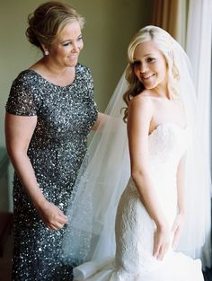 5 Ways To Love Your Mom On Your Wedding Day | Great Ideas On How To Make Your Mom Feel Extra Special On Your Wedding Day - Inspired Bride
