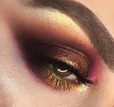 Perfectly Blended Eye-shadow with Smokey Eye in Metallic Shades
