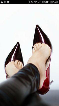 Hot High Heels, High Heel Boots, Womens High Heels, Black Stiletto Heels, Pumps Heels, Stilettos, Pictures Of High Heels, Pantyhose Heels, Beautiful High Heels