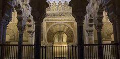 El califato de Córdoba duró un siglo, desde el 929 al 1030. Durante el siglo X, el califato de al-Andalus fue un estado de gran esplendor y poder, conseguid