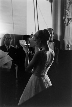 Grace Kelly backstage at the 1956 Academy Awards.