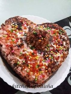 strawberry cake by  Krishna Banerji Shona kitchen of odisha