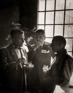 Ivy League Style | Harvard professor with two students - 1952