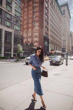 Sheryl Luke Wearing Denim Midi Skirt from Asos - Jeansröcke - Denim Long Denim Skirt Outfit, Demin Skirt, Denim Skirt Outfits, Denim Outfit, Midi Skirt, Trajes Business Casual, Business Casual Outfits, Denim Fashion, Fashion Outfits