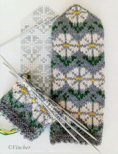 Fair Isle Knitting Patterns, Knitting Charts, Knitting Stitches, Knitting Socks, Diy And Crafts, Paper Crafts, Mittens Pattern, Mitten Gloves, Hand Warmers