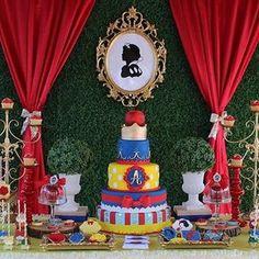 Repost @angiesdreamdecorations : Preciosa decoración de una fiesta de Blanca Nieves #blacanieves #snowwhiteprincess #snowwhite #snowwhiteparty #partydecor #partyidea #partystyling #kidsdecor #birthdayparty #cumpleañosfeliz #fiestainfantil #festalinda #festamenina #instaparty