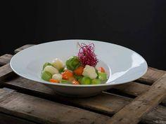 Menestra de verduras de temporada rematadas por Floren. Reserva online en EligeTuPlato.es