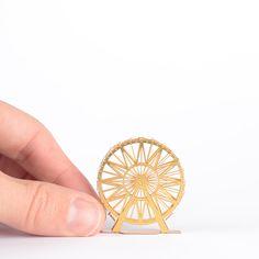 mini-wheel-hand.jpg