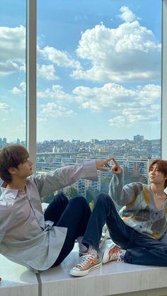 Joshua Seventeen, Seventeen Album, Seventeen Memes, Lawley Kian, Seventeen Minghao, Won Woo, Joshua Hong, Seventeen Wallpapers, City Wallpaper