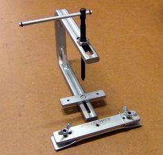 Afbeeldingsresultaat voor guitar bridge clamps
