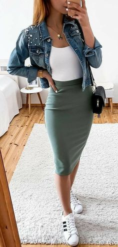 green mini skirt - outfits , green mini skirt Source by outfits_hunter., , 45 Fantastic Spring Outfits You Should Definitely Buy / 020 Spring Skirts, Spring Outfits, Spring Dresses, Casual Summer Outfits For Work, Spring Wear, Autumn Outfits, Holiday Outfits, Simple Outfits, Casual Wear
