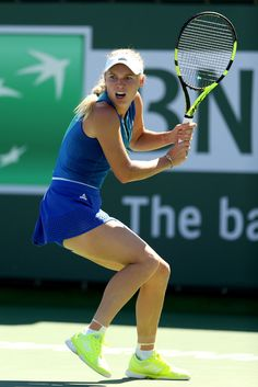 Caroline Wozniacki of Denmark plays Magda Linette of Poland during the BNP Paribas Open at the Indian Wells Tennis Garden on March 2017 in Indian Wells, California. Wta Tennis, Sport Tennis, Caroline Wozniacki Tennis, Magda Linette, Indian Wells Tennis, Steffi Graf, Tennis Players Female, Tennis Stars, Sports Women