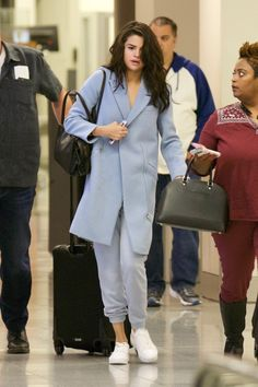 March 1: Selena arriving at the airport in Atlanta, Georgia [HQs]