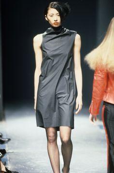 Alexander McQueen Spring 1995 Ready-to-Wear Collection Photos - Vogue