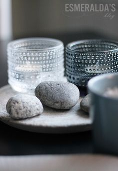 Beautiful tea light holders, that twinkle when lit by a candle Iittala Kastehelmi.