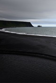 Black sand beach in Iceland! Click through to see 15 more of the world's most unique & awesome beaches!