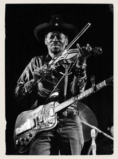 Clarence Gatemouth Brown by Bluesoundz Radio, via Flickr