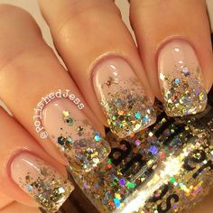 Glitter Lambs Million Dollar Gradient glitter nail polish is a clear base nail polish filled with different sizes and shapes of gold holographic glitter. This is made just for doing gradients with nai