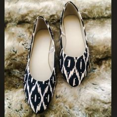Ikat Flats Navy and ivory ikat pattern flats. Size 7.5. Brand new. Super cute and comfy. No trades. Let me know if you have any questions  Shoes Flats & Loafers
