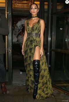 Nicole Scherzinger quitte le Global Gift Gala organisé à Londres le 19 novembre 2016.