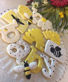 Baby shower cookies by Lisa Fetty Baby Shower Cookies, Baby Shower Fun, Baby Shower Parties, Baby Shower Biscuits, Girl Shower, Mommy To Bee, Bee Cookies, Sugar Cookies, Flower Cookies