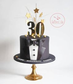 The Effective Pictures We Offer You About Cake Design anniversaire fille A quality picture can tell you many things. 30th Birthday Cakes For Men, Birthday Cake For Husband, Funny Birthday Cakes, Man Birthday, Cake Design For Men, Tuxedo Cake, 30 Cake, Fathers Day Cake, Cake Decorating Tutorials