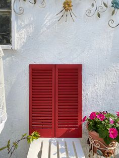 Vintage French Country Red Window Shutters Red Paint Colors, Vintage Garden Decor, Window Shutters, Easy Wall, Painting On Wood, French Vintage, Vintage Furniture, Window Treatments, French Country