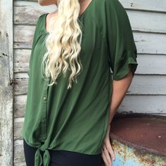 This shade of green is perfection! #NYCollection #StreetStyle