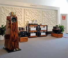 #highend2018 A full suite of Kondo Audio Note electronics - including Ginga #turntable - with beautiful Kaiser Kawero! #loudspeakers.