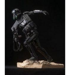 Star Wars Rogue One ARTFX - Death Trooper 1/7 24cm.    www.comicsuniverse.sk Rogues, Funko Pop, Dc Comics, Death, Darth Vader, Star Wars, Marvel, Fictional Characters, Starwars