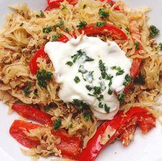 Gesund & schnell kochen geht nicht ?! Doch ! Mit dieser leckeren Sauerkraut-Paprika-Pfanne kannst du fix etwas gesundes zu Essen zaubern !