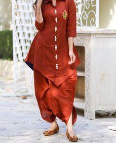 Tail cut cotton silk kurti with dhoti pant. Simple Kurti Designs, Salwar Designs, Kurta Designs Women, Kurti Designs Party Wear, Blouse Designs, Indian Designer Outfits, Designer Dresses, Fancy Kurti, Kurta Style