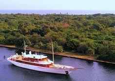 Johnny Depp's yacht, Vajoliroja, leaving the marina.