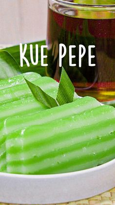 Indonesian Desserts, Indonesian Food, Tea Time Snacks, Party Snacks, Tastemade Recipes, Coconut Milk Recipes, Street Food, Asian Recipes, Food Videos